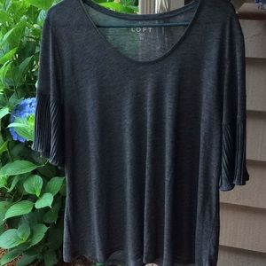 Gray lightweight Ann Taylor top pleated sleeves